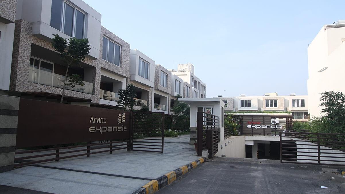 arvind expansia villa entrance view7
