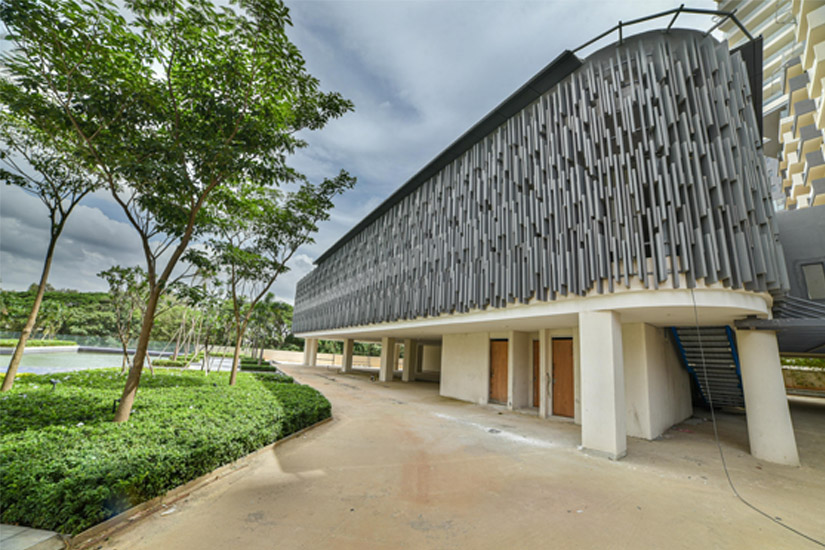 clubhouse-external-image-Picture-embassy-lake-terraces-2780690