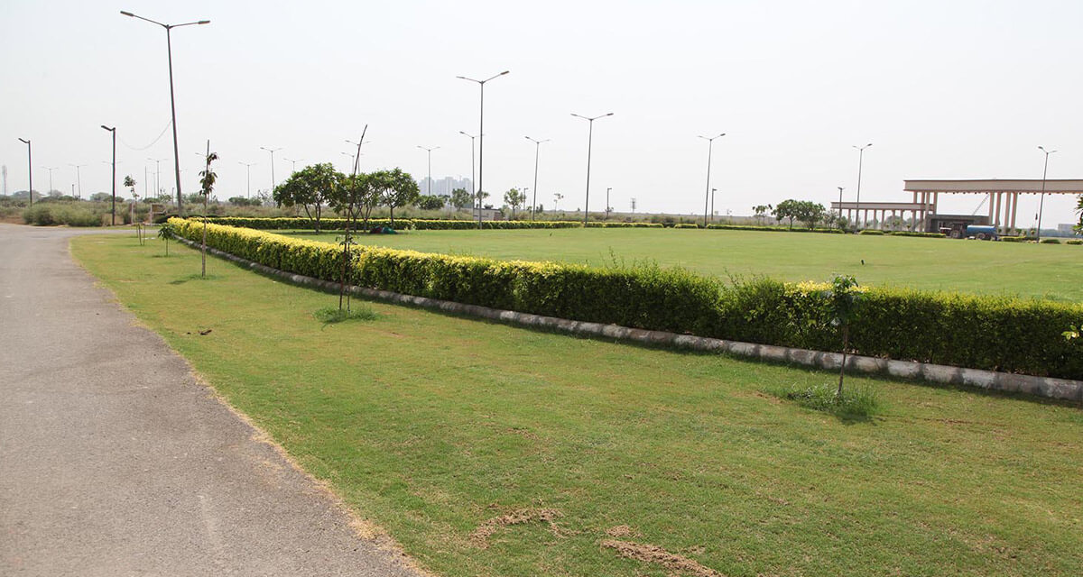 greens-image-Picture-gaur-yamuna-city-32nd-park-view-2434763