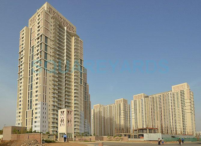 dlf park place tower view1