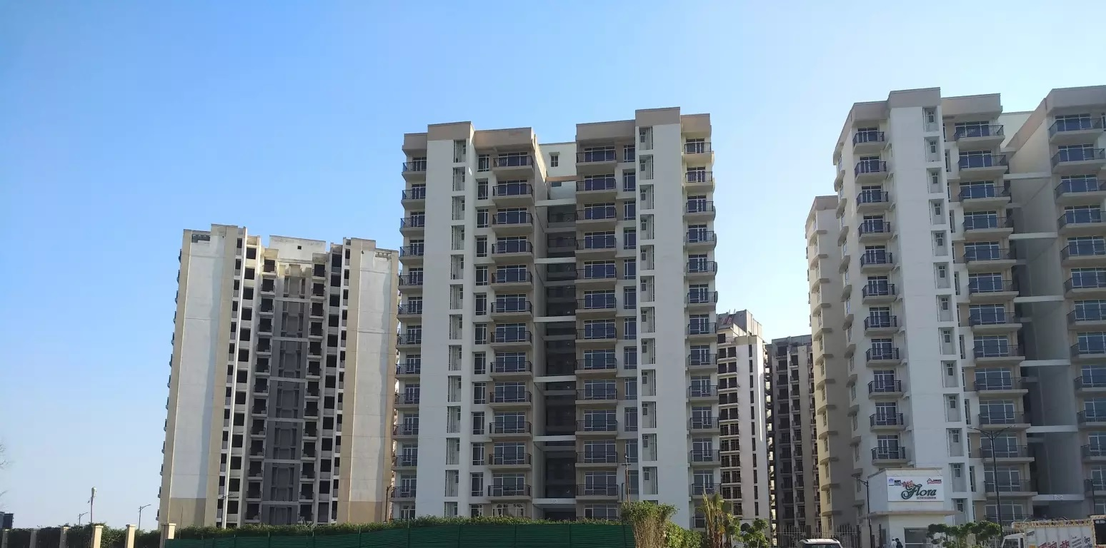 shree vardhman flora tower view7