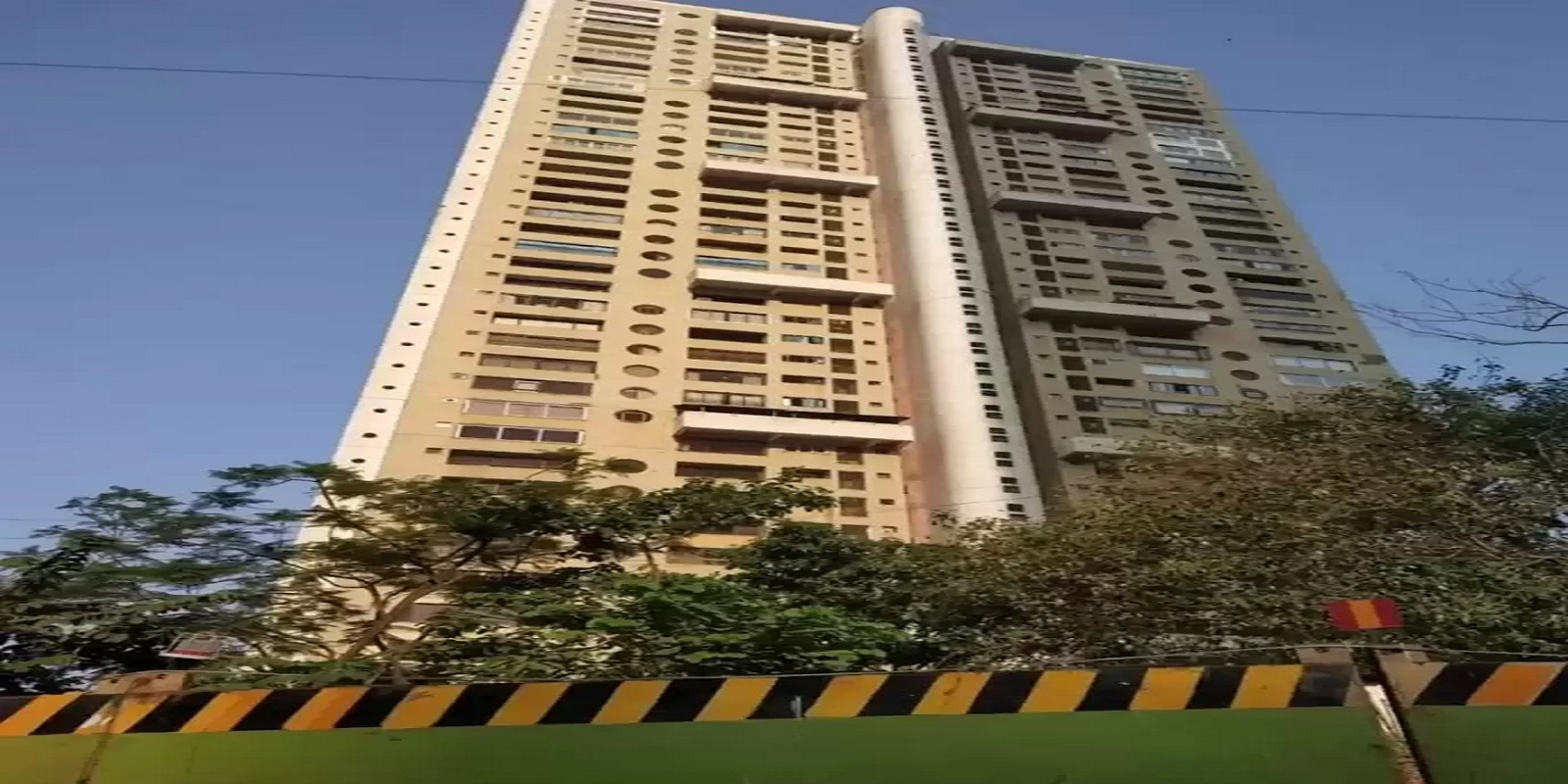 mahindra lifespaces belvedere court project project large image1