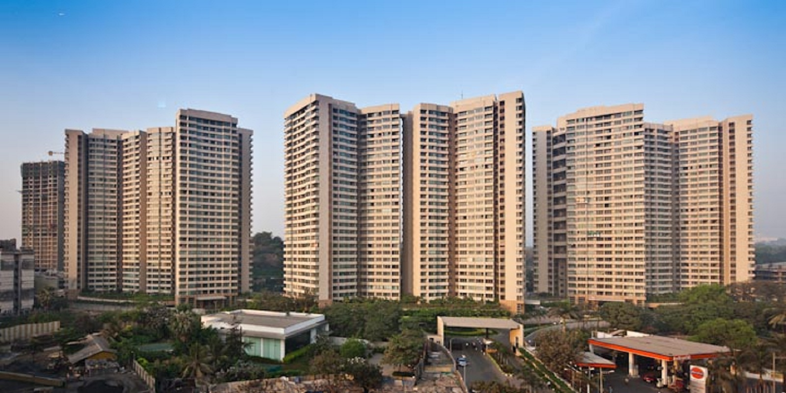 oberoi realty splendor project project large image1